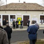 Lengyel-magyar emléktáblát avat Salföldön, Navracsics Tibor és Igor Dzialuk. (Fotó: Pelsőczy Csaba)